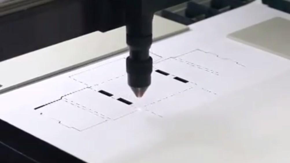 Видео: лазерная резка микрогофрокартона